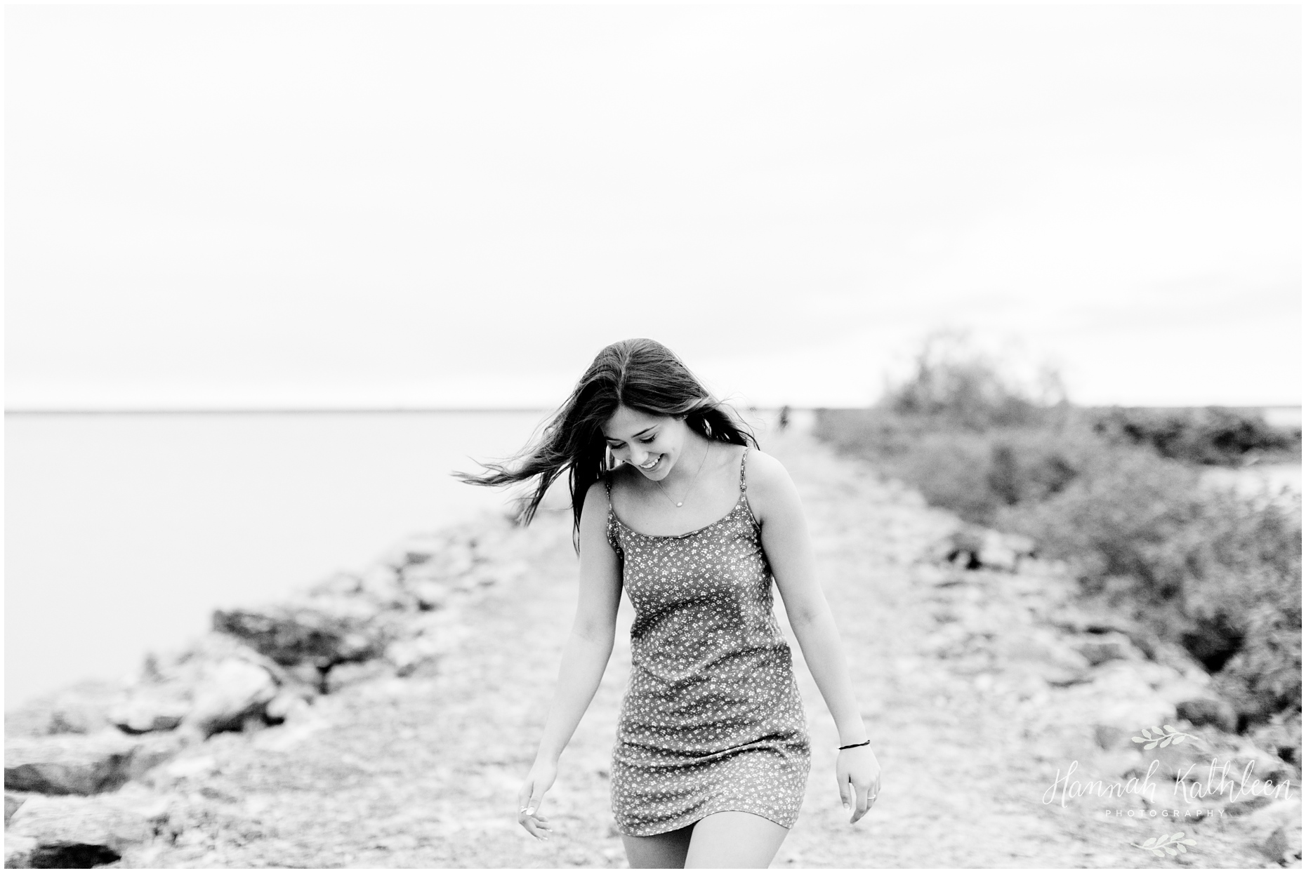 Aly_Senior_Photography_Outdoor_Beach_Lake_Erie_Photos_Buffalo_New_York