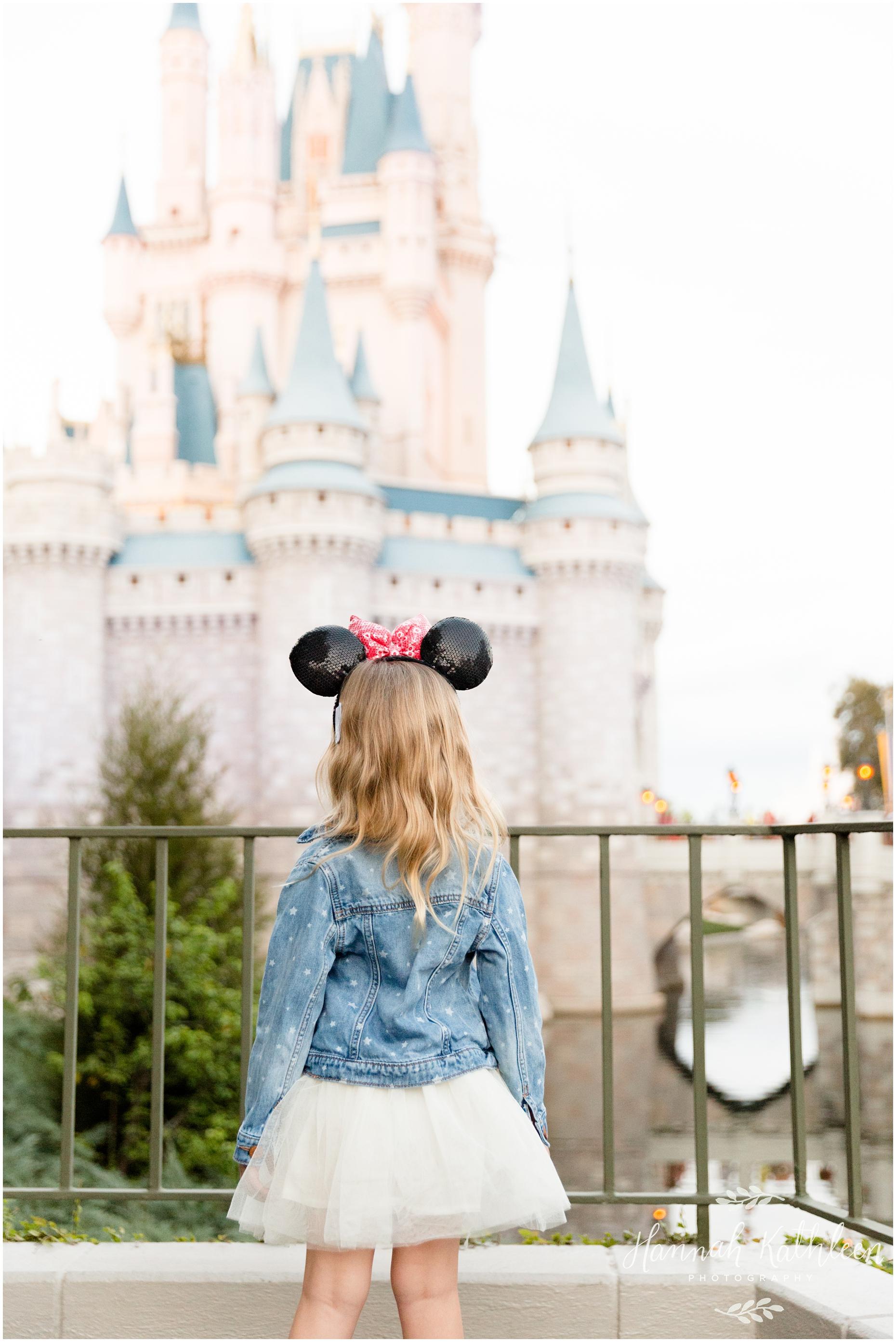 Donahue_Disney_Parks_Magic_Kingdom_Disneyland_Family_Photography