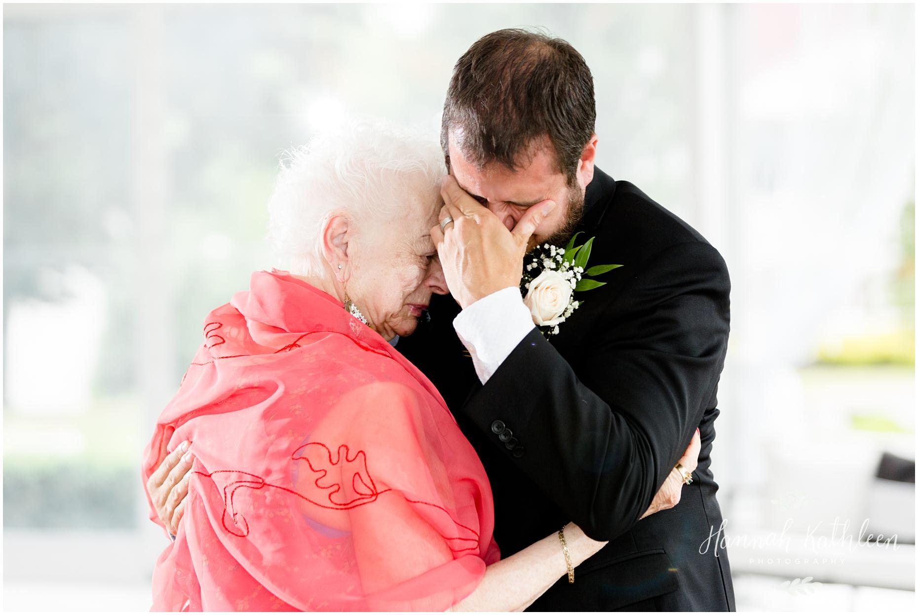 Matt_Katie_Avanti_Mansion_Wedding_Buffalo_Photographer