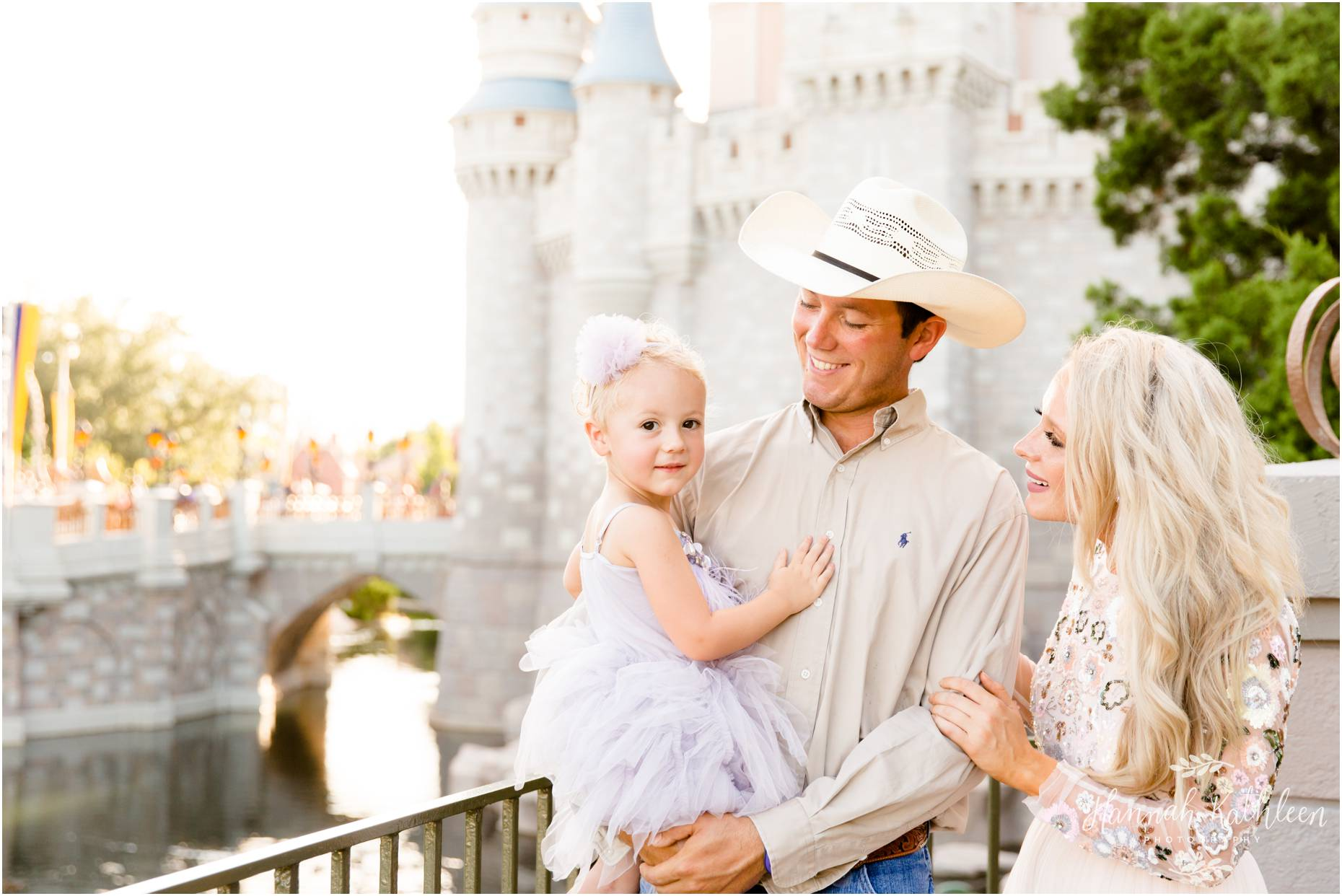 Moneyhon_Magic_Kingdom_Disney_World_Family_Photography